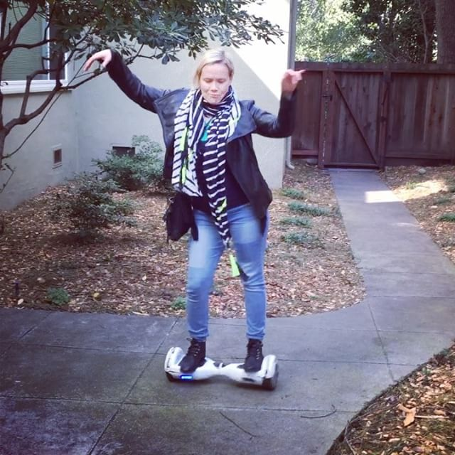 Have you tried one of these? I love dancing and doing tricks with the hover board but going long distances is a little trickier.  #trick #tricky #playonwords #hoverboard #dancing #dance #spinning #moonwalk #figureeight #backtothefuture #newtech #transportation #move #wheels #danceshow #latindance #salsa #salsadancing