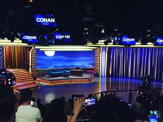I was in the audience on Conan O'Brien tonight & got myself 2 free t-shirts for dancing all crazy.  #teamcoco #conanobrien #conan #tbs #tv #tvshow #talkshow #taping #fun #tvstation #warnerbros #warnerbrosstudios #hollywood #hollywoodstudios #lạ