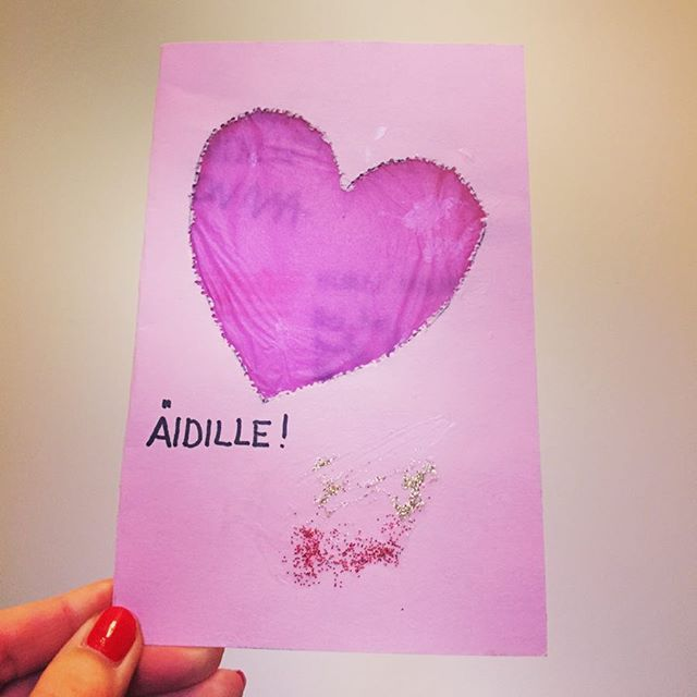 Happy Mother's Day! I found some old Mother's Day cards that I had given to my mom years ago. This one is my favorite! #glitter #pink #heart #card #mothersday #mother #mom #äiti #äitienpäivä #memories