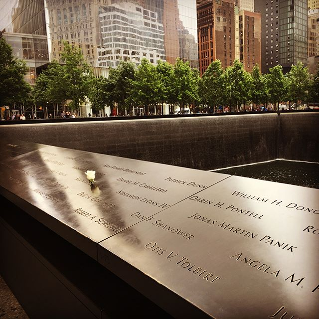 Did you know that on the birthday of each victim of the 9/11 attacks they put a rose on their name at the memorial pools? I think that's really beautiful. #keepsafe #staysafe #attacks #911memorial #911 #remembering #memorial #terrorist #thoughtful #beautiful #rose #whiterose #birthday