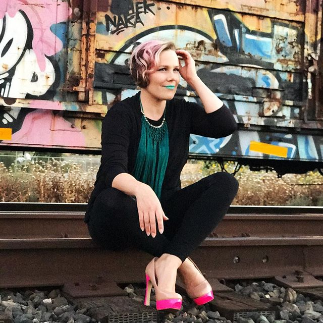 We did a fun photoshoot by an abandoned train in Modesto. #photography #photo #shooting #picture #photoshoot #photoshooting #model #singersongwriter #musicartist #singer #pink #turquoise #graffiti #colorful #colors #standout #train #traintracks #railroad #railroadtracks #abandoned #abandonedtrain #location #california