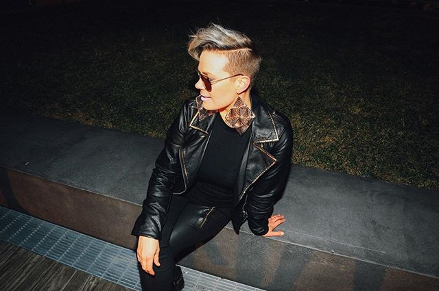 Thanks again @kevindonnnelly for an awesome photoshoot. #promopicture #photoshoot #photography #singersongwriter #model #leatherjacket #sunglasses #cool #picture #photo #pixiecut #hairstyles #undercut #greyhair #shadowroot #fashion #style #singer #performer #pose #strikeapose
