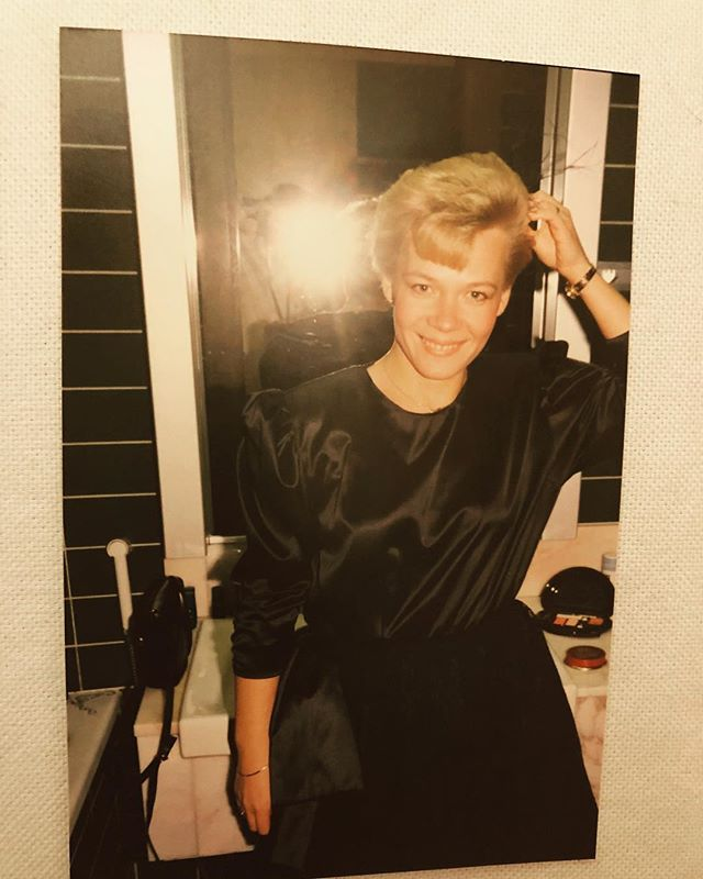 Wishing happy Mother's Day to my beautiful mom in Heaven and to all the mothers here on earth! #mother #imissmymom #beauty #motherhood #daughter #mothersday #strikeapose #flash #flashback #lookingood #mama #äitienpäivä #äiti #mamma #mor #maman #heaven #earth #passedaway #love #loveneverdies #eternity